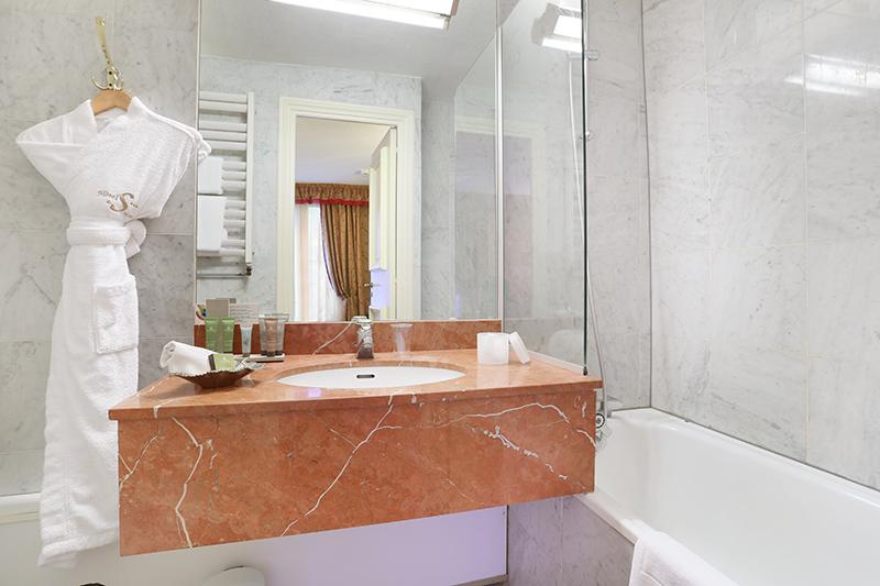 Hôtel avec Baignoire à Paris : l'Hôtel de Seine et ses chambres avec bain