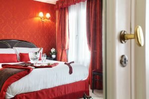 Book a hotel room in Paris for Valentine's Day